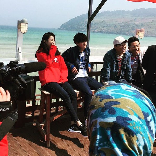 Jung Joon Young shooting with Han Hyo Joo for 2 days 1 night April 2016