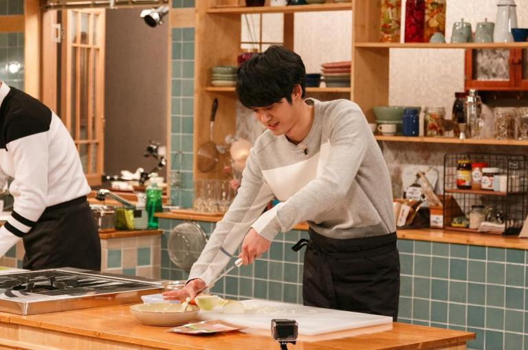 Intern Chef Jung Joon Young on House Cook Master Baek 2
