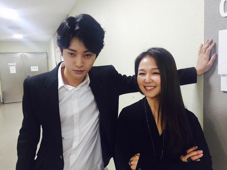 Jung Joon Young with Suh Young Eun at KBS Yu Huiyeol's Sketchbook on March 2016