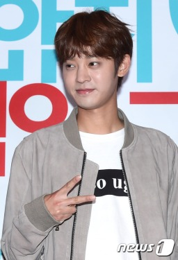Jung Joon Young joining in My Sassy Girl 2 VIP premiere on May 2016
