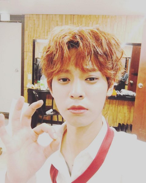 Jung Joon Young posing on MV Mistake shooting day in May 2016