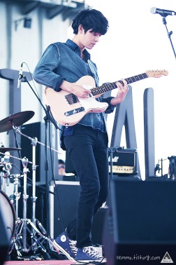 Jung Joon Young playing Fender Telecaster on the stage of Seoul Food Festival 2016