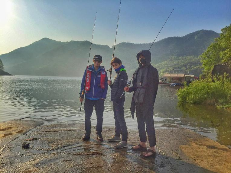Jung Joon Young going fishing with CNBlue Lee Jong Hyun and Eddy Kim