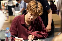 jung joon young and drug restaurant @ fan sign event 20160619 1