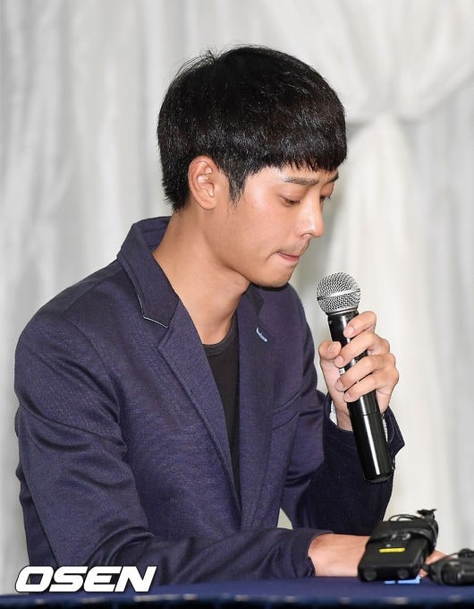 jung-joon-young-at-his-press-conference-on-sexual-scandal-2016