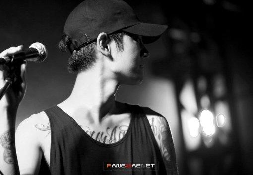 Jung Joon Young in Drug Restaurant concert in Busan in August 2016