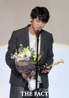 fashionisto Jung Joon Young at Korean Wave Fashion Festival on December 2015