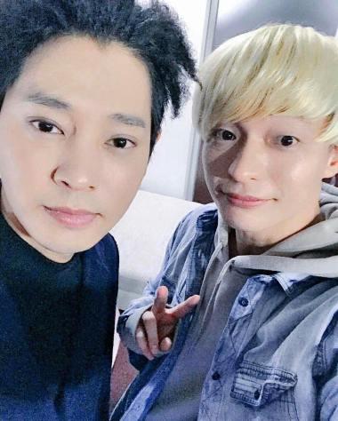 Jung Joon Young with MC Aki of TV show HANRYU_zap in Japan Feb 2017