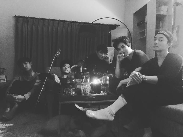jung-joon-young-and-friends-in-seollal-2017-0