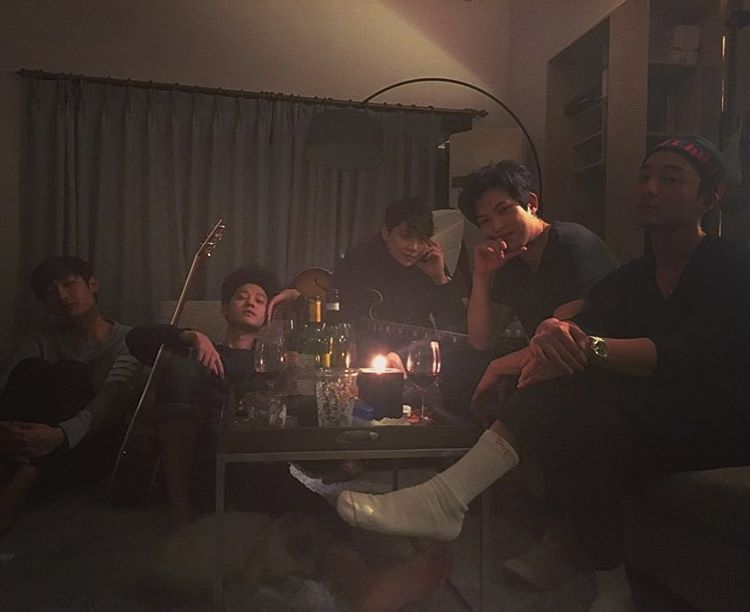jung-joon-young-and-friends-in-seollal-2017-1