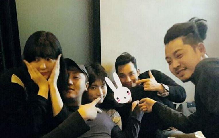 Jung Joon Young celebrating Big Bang's Seung Ri birthday in December 2016