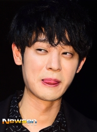 Jung Joon Young in his Sympathy showcase on Febuary 24, 2016