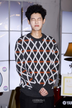 Jung Joon Young at shooting for Idols of Asia on MTV Taiwan on Feb 2017