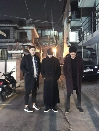Jung Joon Young with his friends hanging out on late night Jan 2017