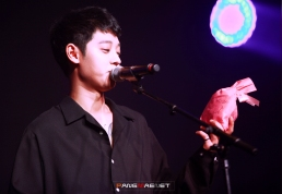 Fan service at Jung Joon Young concert in Daegu 20170311